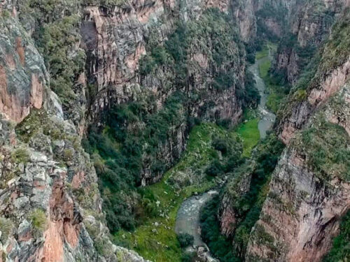 Aerial view of Ananiso Canyon